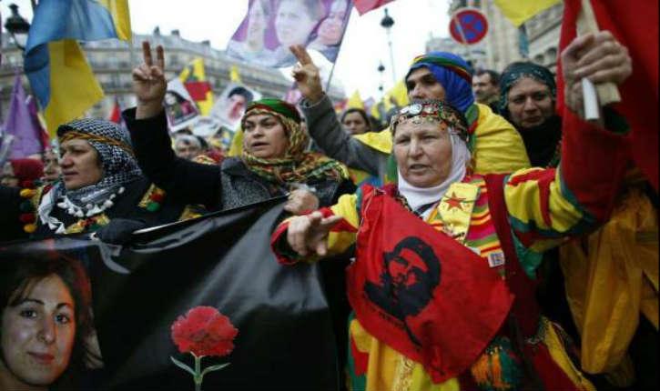 Paris: une manifestation kurde se termine par une rixe, un policier tire en l'air