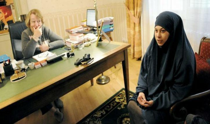 Suspectée de radicalisation, on lui retire ses deux enfants