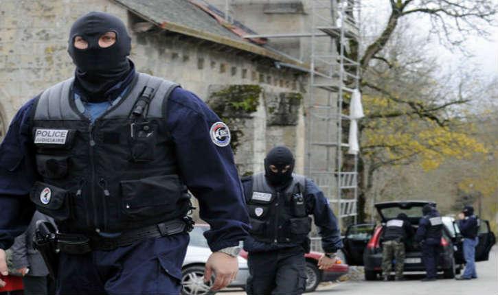 Rhône: la SDAT, sous-direction antiterroriste de la police judiciaire, a interpellé 6 personnes en partance pour la Syrie