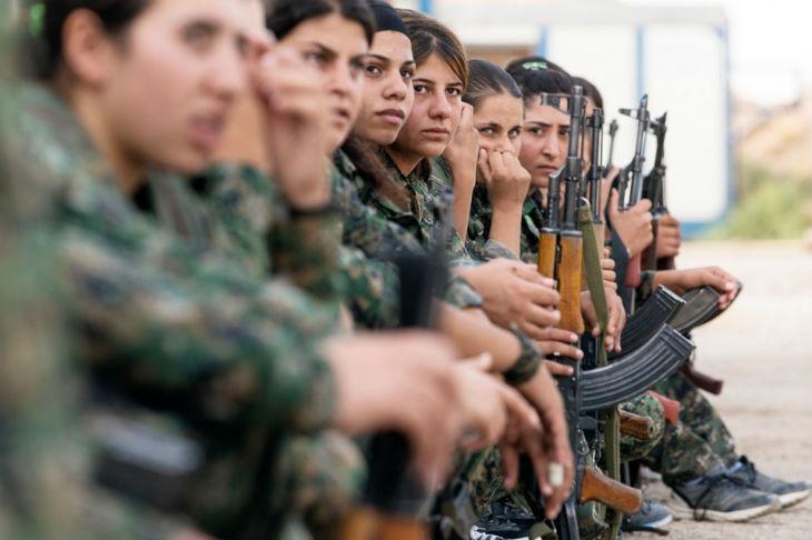Irak : Les anciennes esclaves sexuelles de l'Etat islamique prennent les armes