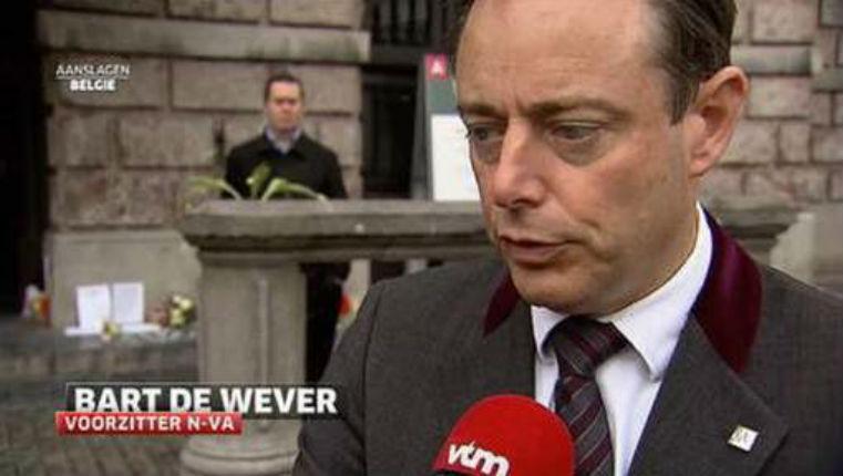 Attentats de Bruxelles : Bart de Wever, bourgmestre d'Anvers «Ils ont été bien accueillis en Belgique et ils ont pu faire ça»