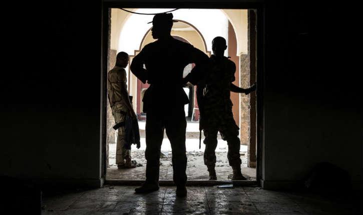 Nigeria: 2 femmes kamikazes se font exploser dans une mosquée, au moins vingt-deux morts