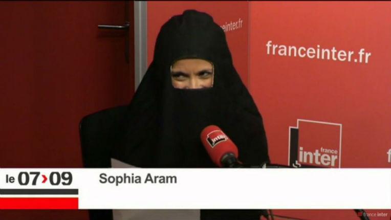 Vid U00e9o  Sur France Inter Sophia Aram Fait Sa Chronique En