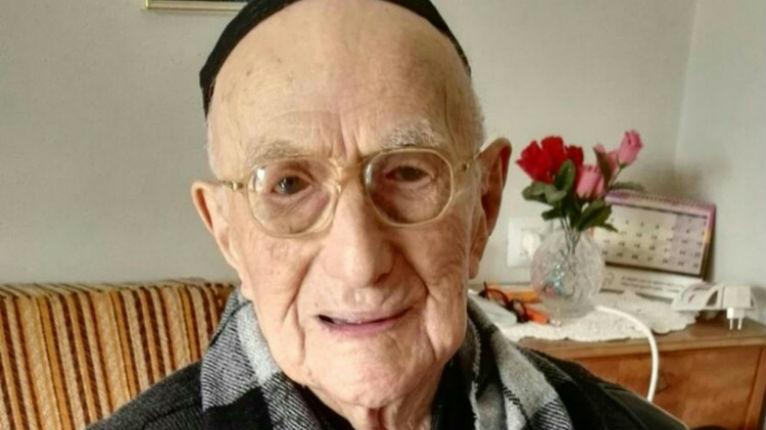 Un Israélien survivant d'Auschwitz est l'homme le plus vieux du monde