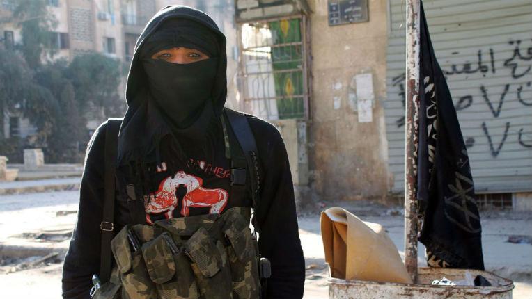 On croit rêver : Les djihadistes détenues en Syrie porte plainte contre la France pour «détention arbitraire»