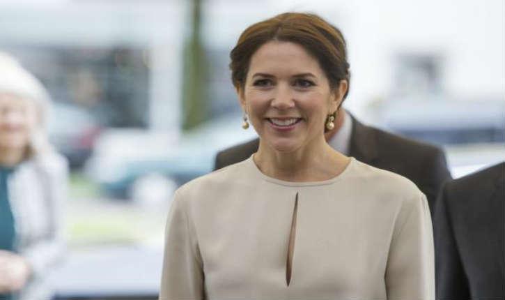 Arabie Saoudite: la princesse Mary de Danemark refuse de porter le voile