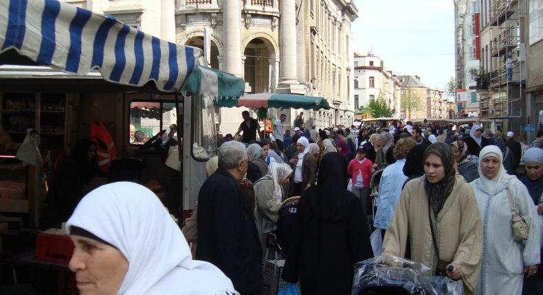 Séparatisme: Selon Darmanin, il y a 5,7 millions de Musulmans en France en 2021. Sauf qu'il y a 40 ans, ils étaient déjà 6 millions…