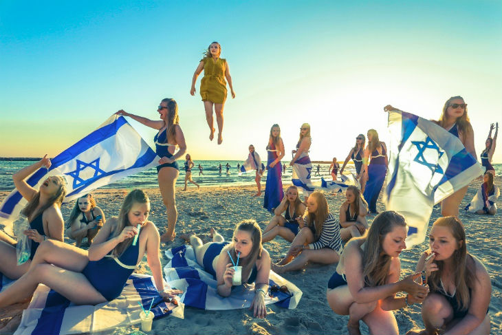 Israël: réouverture des synagogues et des plages. Réouverture des restaurants, clubs et bars mercredi prochain