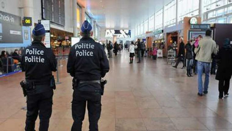 Bruxelles : Des policiers de l'aéroport de Zaventem dénoncent les failles «Il n'existe pas le moindre contrôle de sécurité des voyageurs et de leurs bagages»