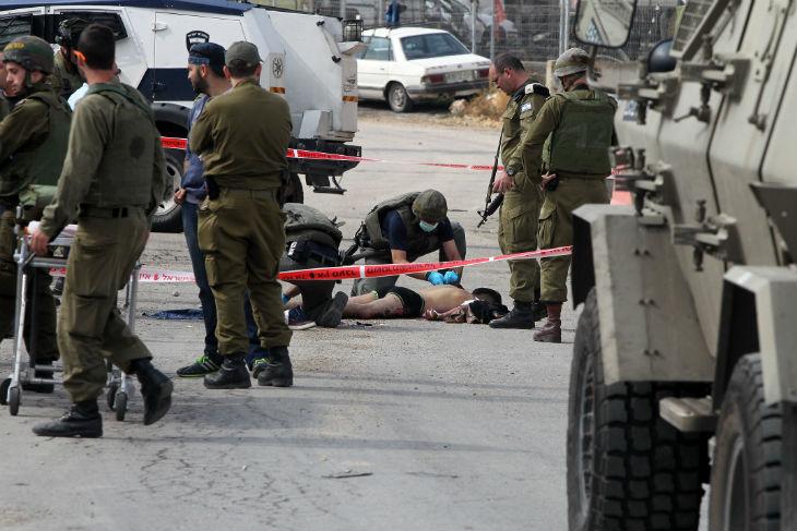 Judée Samarie : Un soldat israélien poignardé, les deux terroristes arabes abattus