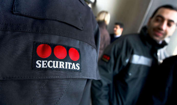 Des agents de sûreté à l'aéroport d'Orly, licenciés après avoir refusé de tailler leur barbe pour des raisons religieuses, ont porté l'affaire aux prud'hommes