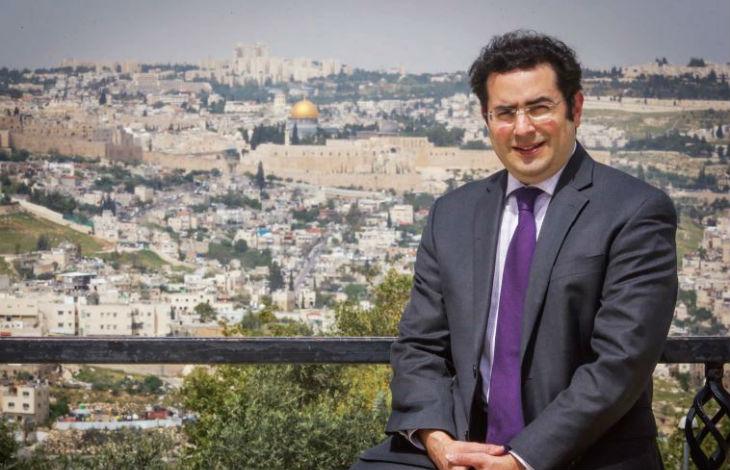 Le Directeur de UN Watch, Hillel Neuer «A l'ONU, Israël subit sans cesse des attaques. Cette année, il y a eu 20 résolutions contre Israël lors de l'AG contre seulement 3 résolutions contre le reste du monde»