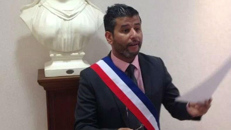 L'élu UDI, Jallal Chouaoui, accuse Valls de «parti pris» envers la communauté juive. Pour le maire Jean-François Dardenne il s'agit «d'antisémitisme avéré»