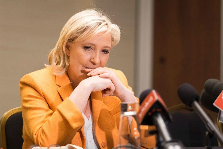Canal + en flagrant délit de manipulation: le montage d'une interview de Marine Le Pen trafiqué pour la décrédibiliser – Vidéo complète de l'interview