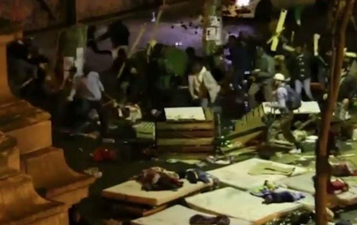 Violents affrontements entre des migrants au métro Stalingrad à Paris, plusieurs blessés