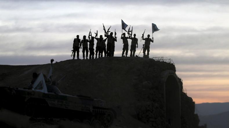 Syrie : Les djihadistes exhibent le plus jeune de leurs otages