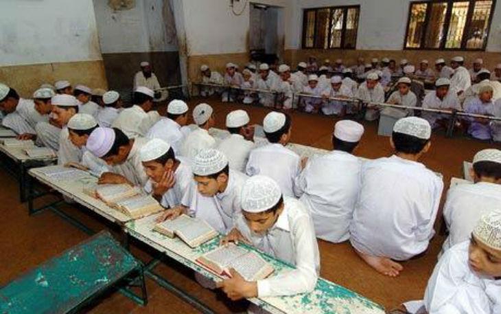 Les écoles musulmanes, qui inquiètent le gouvernement, accueilleraient 35 000 élèves dans 500 écoles