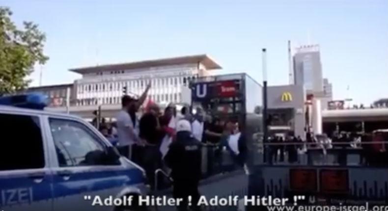 [Vidéo] Manifestation des islamistes pro-palestiniens faisant le salut nazi et criant «A mort les Juifs ! Vive Adolf Hitler ! Allah Akbar !» en Allemagne