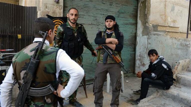 Israël soutiendrait au moins sept groupes rebelles contre Damas, pour sécuriser le Golan