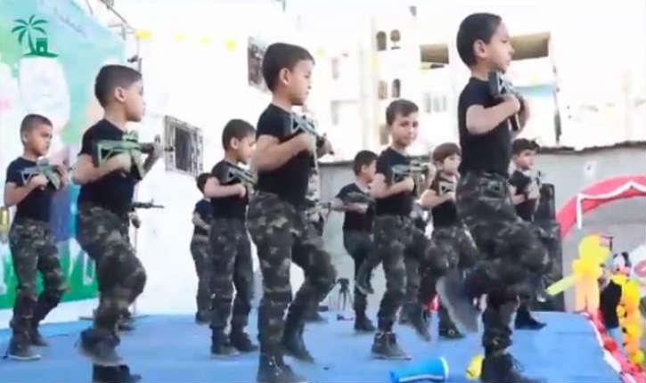 [Vidéo] Gaza: des enfants palestiniens biberonnés depuis leur naissance au terrorisme islamique