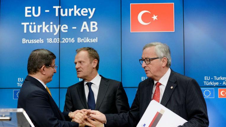 Migrants : Alors que les peuples européens ne veulent pas de de l'entrée de la Turquie, Bruxelles contourne en dispensant de visa les Turcs voyageant au sein de l'UE