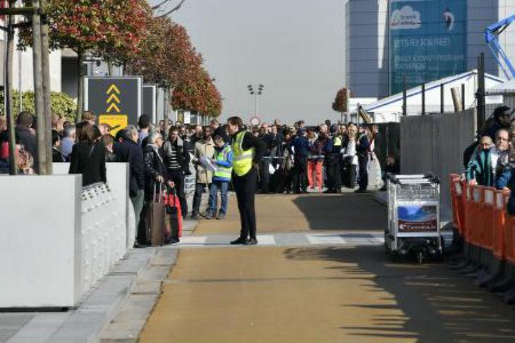 Belgique : Plusieurs heures d'attente, des vols ratés. C'est le chaos à l'aéroport de Zaventem après les attentats