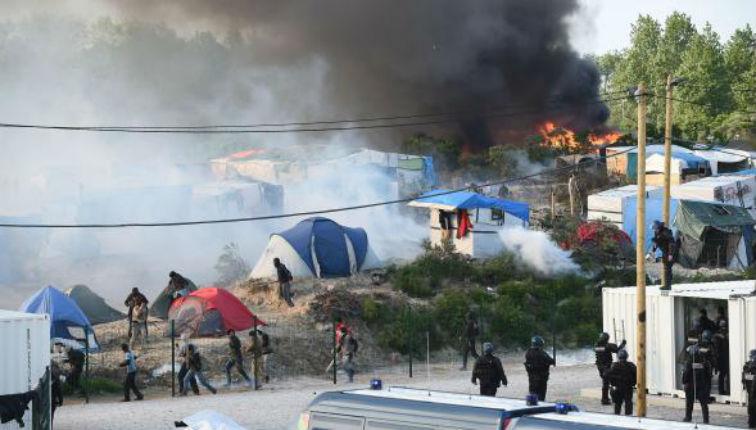 Calais : Affrontements entre 200 migrants afghans et soudanais. 50 blessés