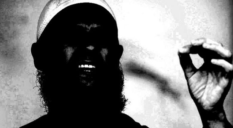 Interview d'un imam salafiste prêchant en France (2ème partie) «Le Coran ordonne aux Musulmans de combattre ceux qui refusent l'Islam. Il ordonne de soumettre Juifs et Chrétiens. Oui, le djihad armé est permis par l'Islamet même préconisé.»