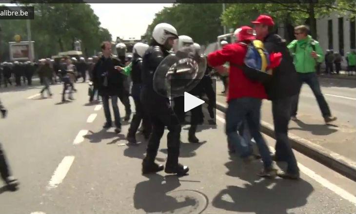 [Vidéo] Manifestation à Bruxelles : violente agression d'un commissaire de police