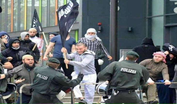 Plus de 50 associations d'immigrés veulent changer la constitution allemande en faveur «d'une société d'immigration»