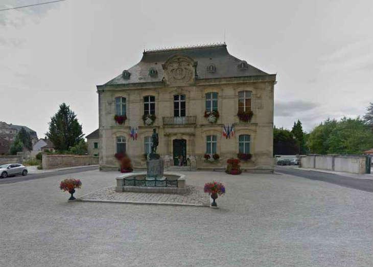 Toulouse: Le transfert dans un village de l'Aube d'un proche de l'islam radical suscite la polémique