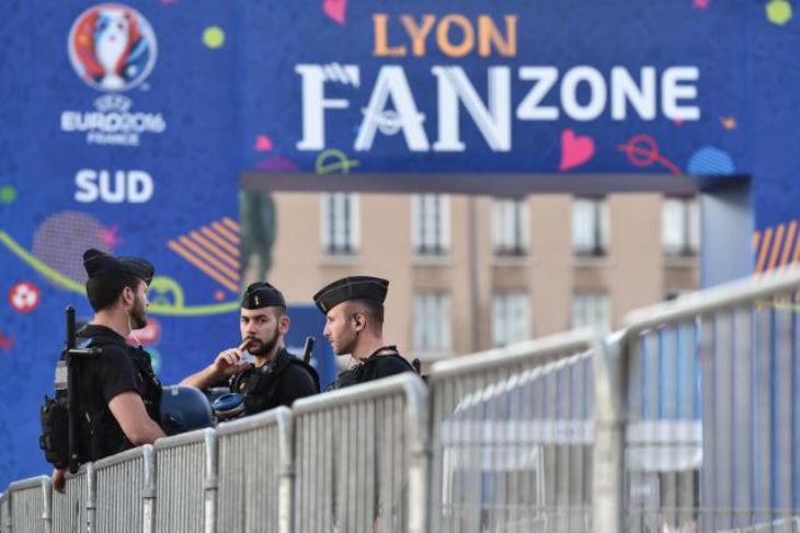 Euro 2016: un colis suspect explosé à côté de la fan zone de Lyon, où joueront les Diables lundi
