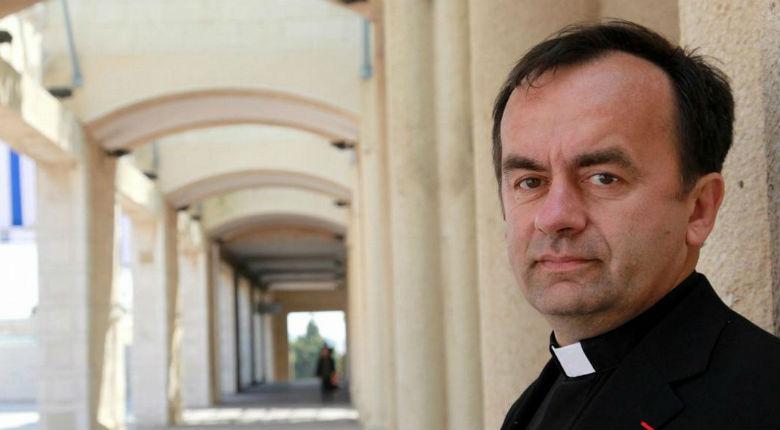 [Vidéo] Père Desbois «Nous devons arrêter le génocide des Chrétiens d'Orient. C'est la conversion à l'Islam ou la mort»