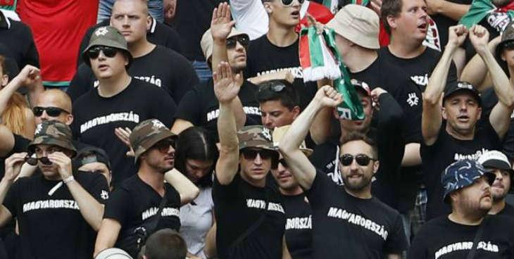 Euro 2016 : Nouveau dérapage de supporters lors de Hongrie-Islande au Vélodrome. Un salut nazi a été aperçu en tribunes.