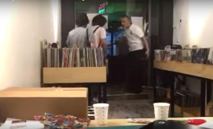 [Vidéo] Des islamistes turcs attaquent des fans de musique rock pendant le Ramadan «Nous vous tuerons, espèces de bâtards»