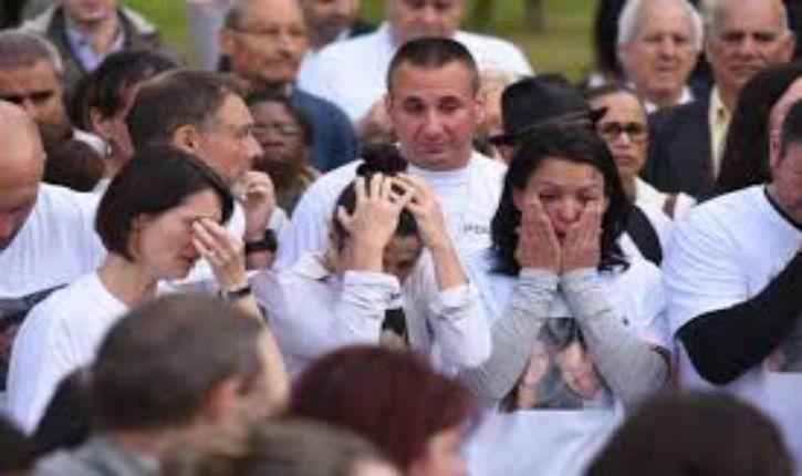 [Vidéo] Magnanville, un cortège ému de 2 500 personnes rend hommage aux policiers tués