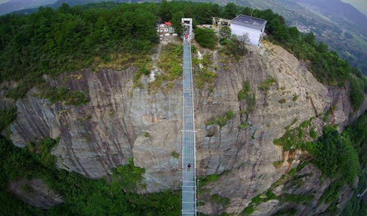 [Vidéo] Le plus grand pont en verre du monde est l'œuvre d'un architecte israélien