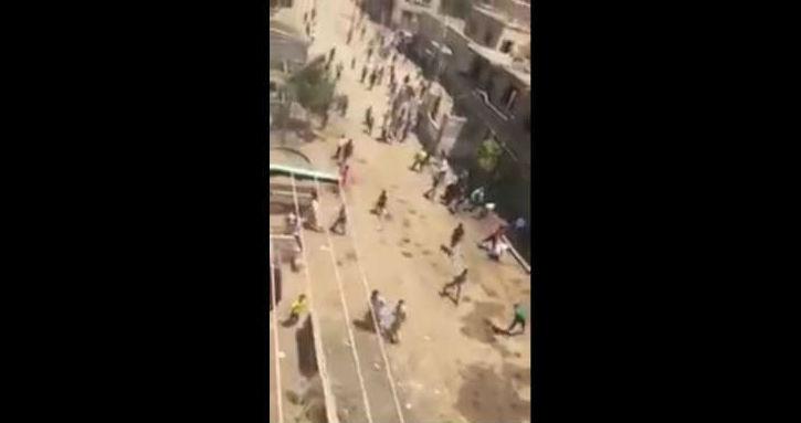 [Vidéo] Des musulmans attaquent des chrétiens dans un village égyptien après le sermon du vendredi.