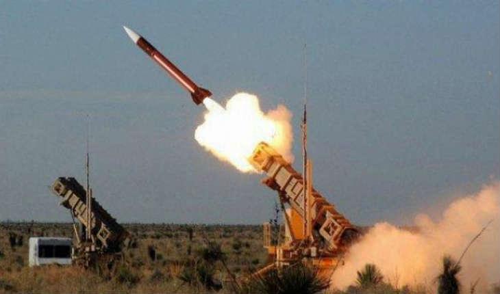 Tsahal abat un avion de combat syrien dans l'espace aérien israélien