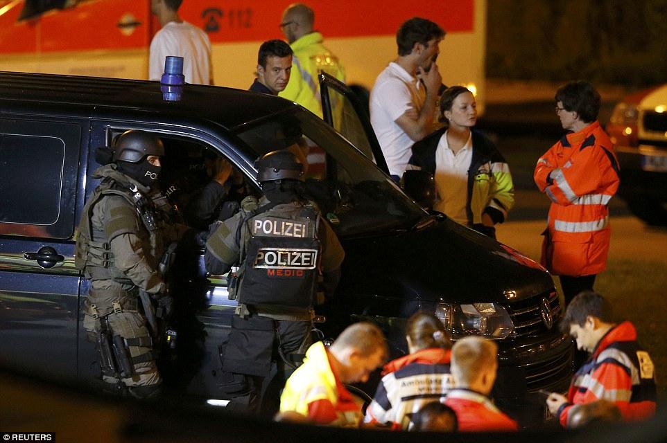 Allemagne: Attaque djihadiste au couteau au cri d'»Allahou Akbar». Une femme de 66 ans et un homme de 57 ans grièvement blessés