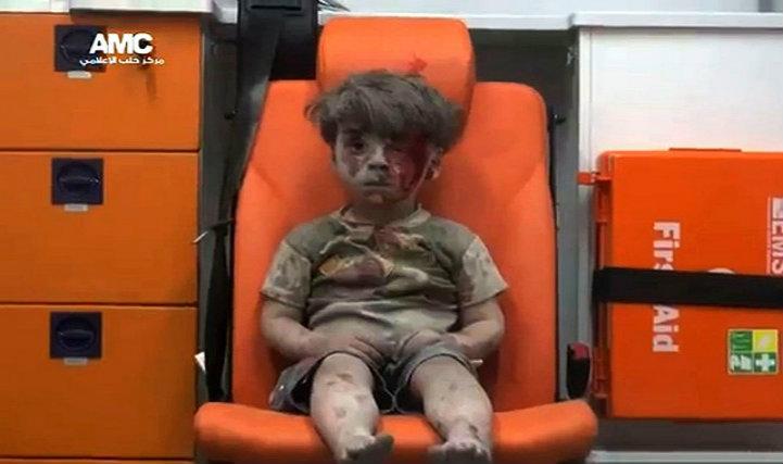 (Vidéo).Omran, 5 ans: le visage de l'horreur en Syrie, cet enfant oublié qui n'a pas eu la chance de naître à Gaza