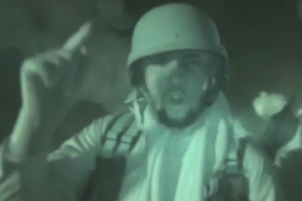 Anti-France-ISIS-fighters-scream-burn-the-French-at-the-top-of-their-lungs