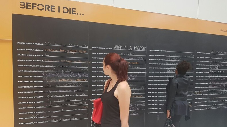 Morbide en pleine menace terroriste ! A la gare de Lyon, la SNCF vous demande ce que «vous voulez faire avant de mourir»