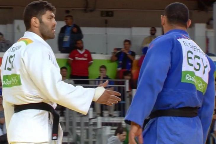[Vidéo] un judoka égyptien refuse de serrer la main d'un Israélien