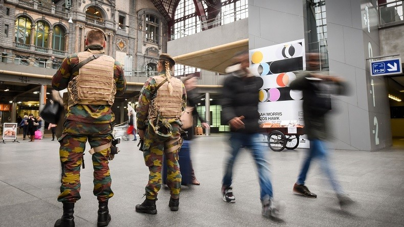 Belgique : Démissions et surcharge de travail dans l'armée belge, un syndicat tire la sonnette d'alarme