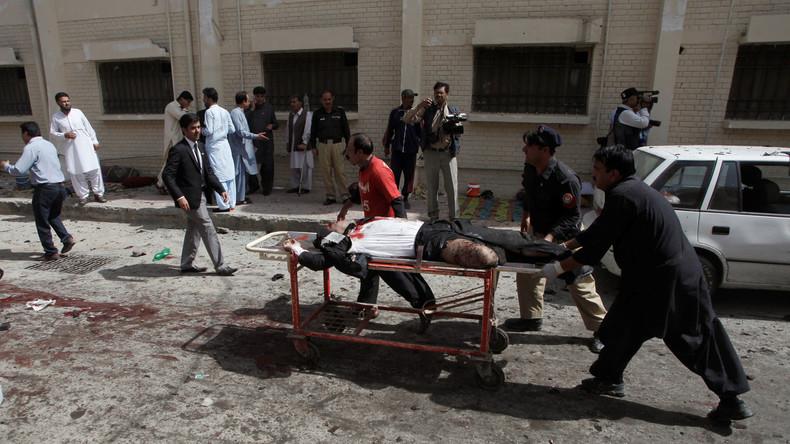 Pakistan : Au moins 93 morts et 120 blessés dans un attentat à la bombe à l'entrée d'un hôpital
