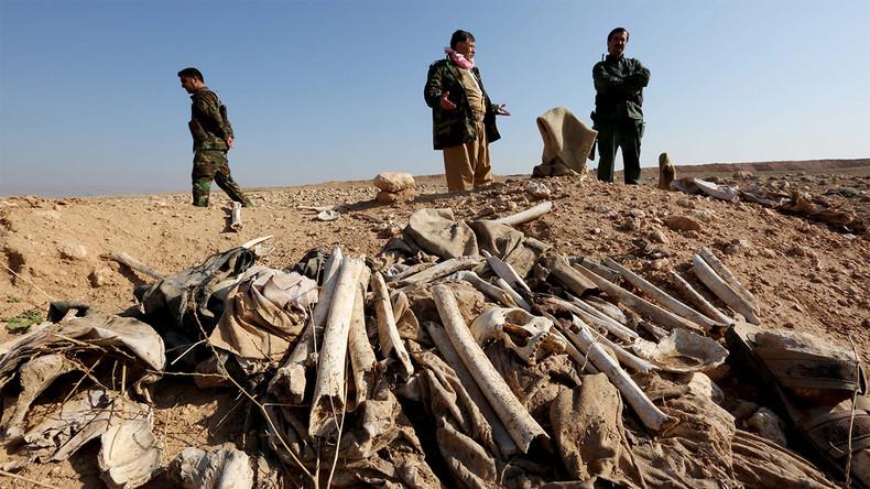 Barbarie islamiste en Irak : Alors que Daesh recule, des charniers de Yézidis sont découverts. Près de 15 000 victimes