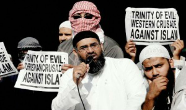 Grande-Bretagne: Anjem Choudary enfin inculpé!
