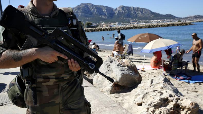 Marseille: Violente altercation entre la police et une mère musulmane de deux mineures qui se baignaient voilées