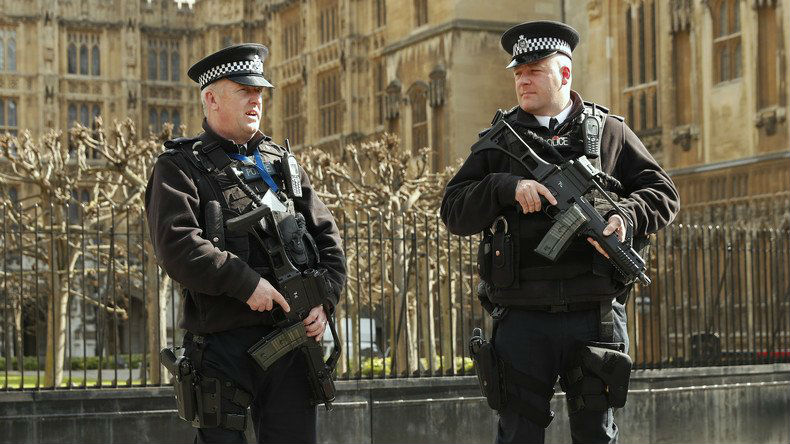 Une attaque au couteau à Londres fait un mort et 6 blessés, la piste terroriste envisagée par la police